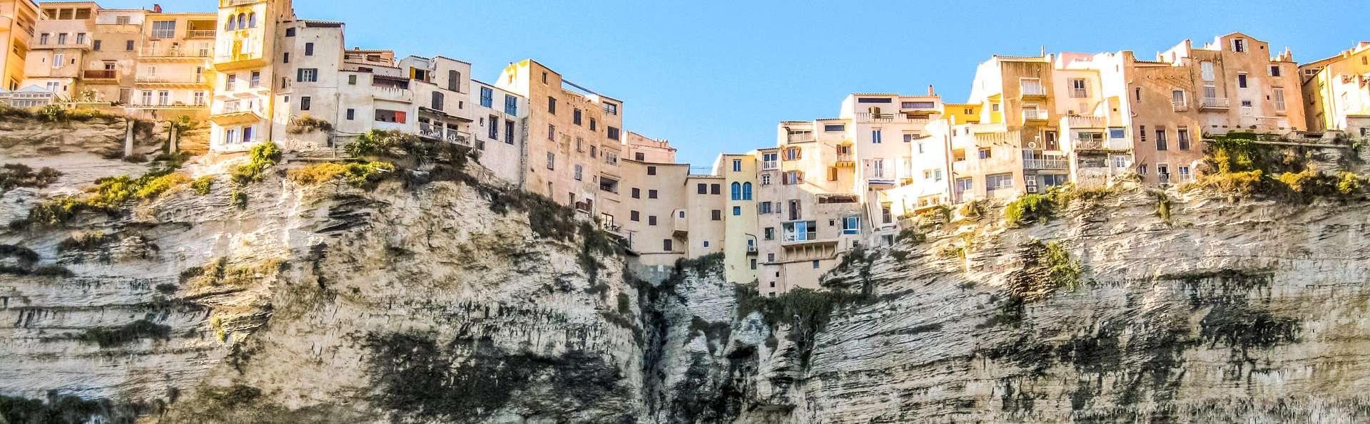 Vous avez déjà rêvé des plages sauvages en Corse? Cessez de rêver, allez-y!