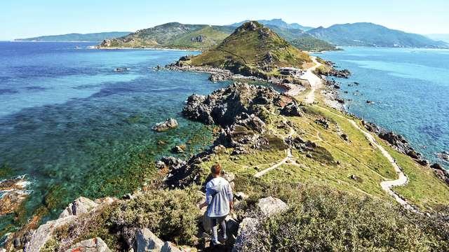 Partons à la chasse aux trésors corses, les fromages et les plages sauvages!
