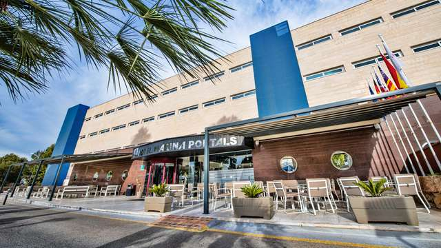 Salles Hotel Marina Portals