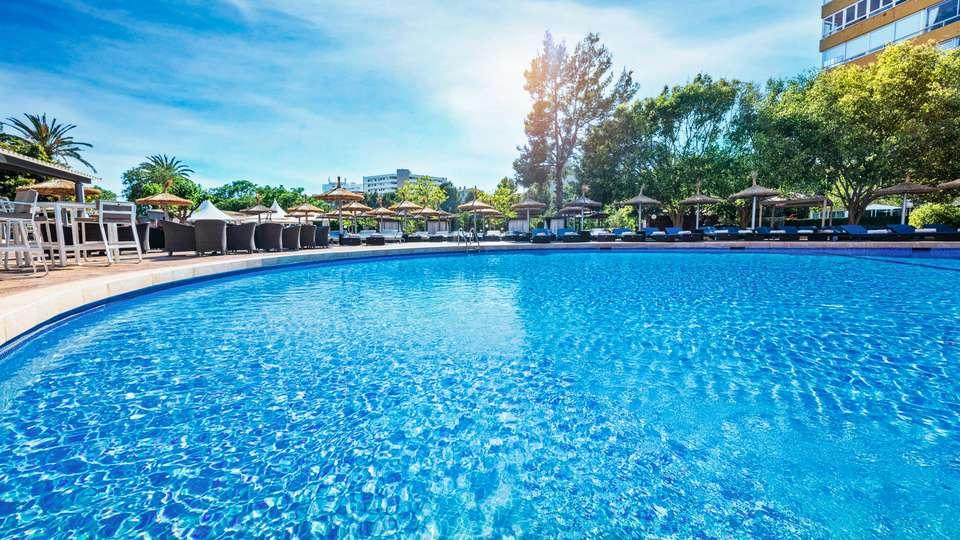 Sallés Hotel Marina Portals - EDIT_POOL_04.jpg