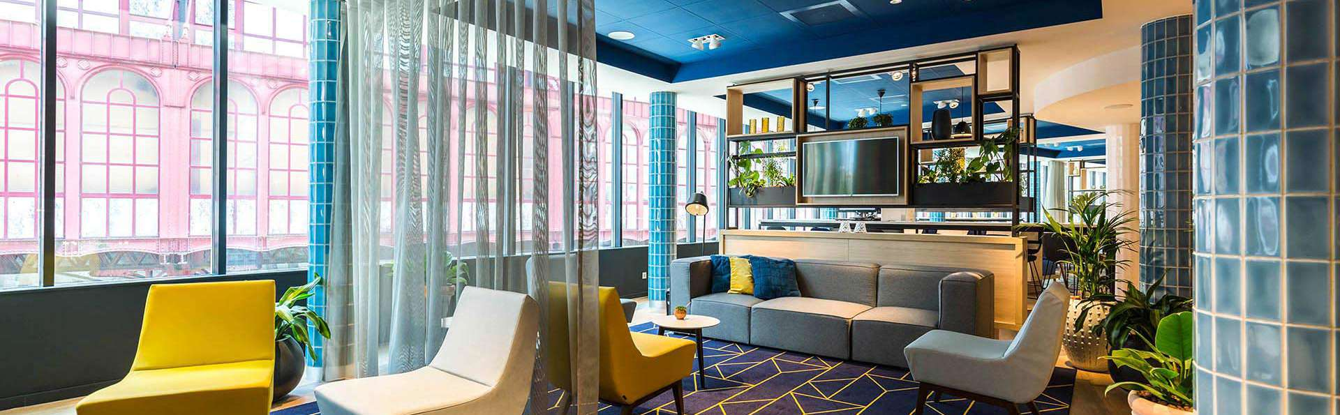 Hampton by Hilton Antwerp Central Station - ANRCS_Lobby1.jpg