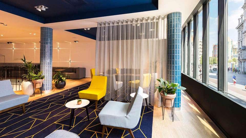Hampton by Hilton Antwerp Central Station - ANRCS_Lobby2.jpg