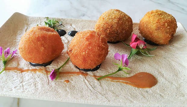 Descubre la gastronomía murciana con degustación de tapas en cartagena
