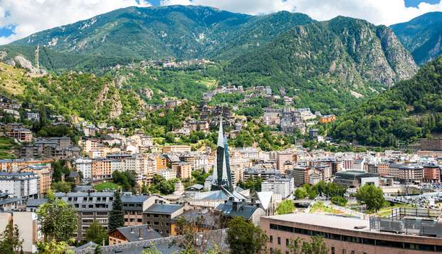 Profitez d'Andorre en famille dans un hôtel familial avec petit déjeuner.