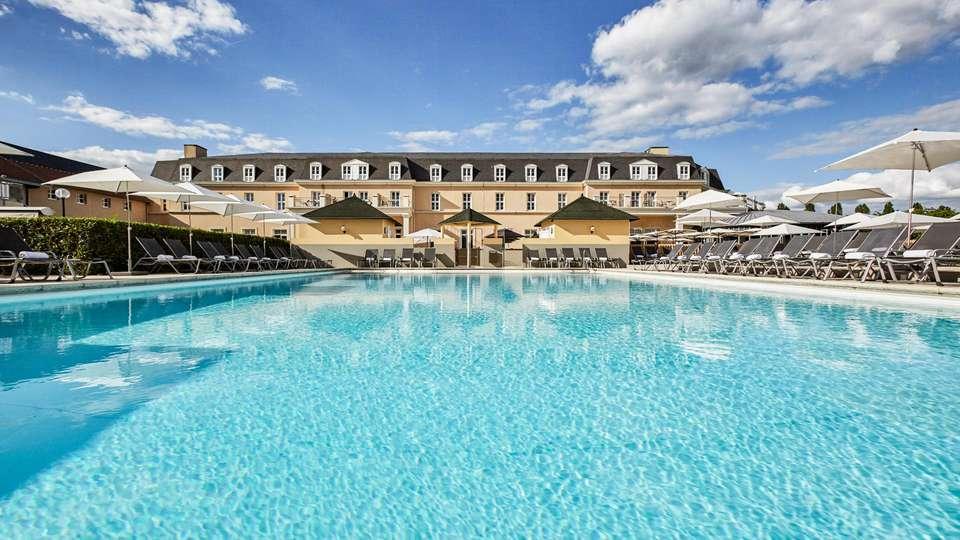 Mercure Chantilly Resort & Conventions - EDIT_N2_POOL_02.jpg