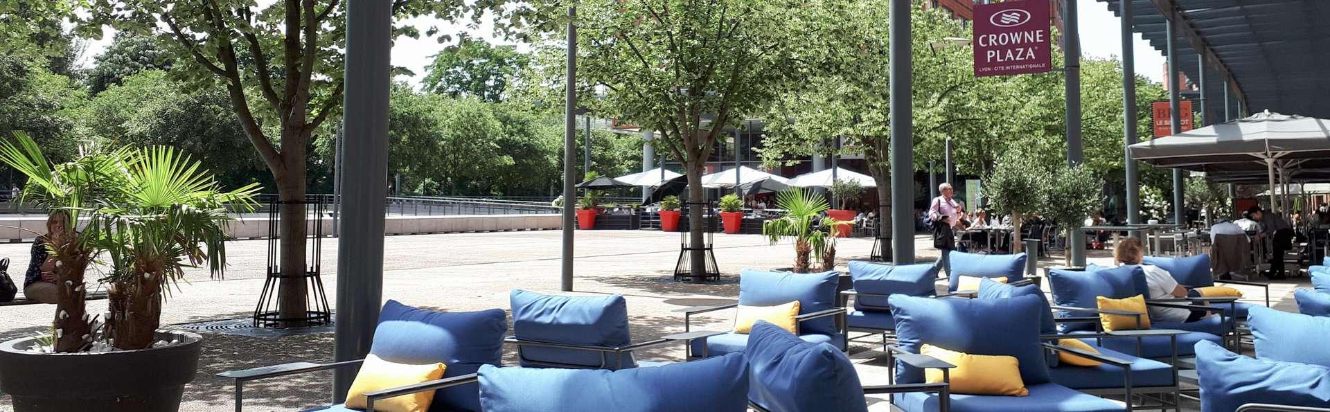 Hôtel Crowne Plaza Lyon Cité Internationale - EDIT_N2_TERRACE_02.jpg