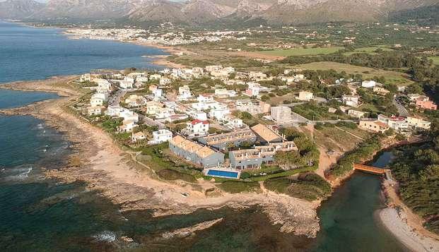 Escapada de ensueño en Mallorca con vista al mar, cena y detalle en la habitación