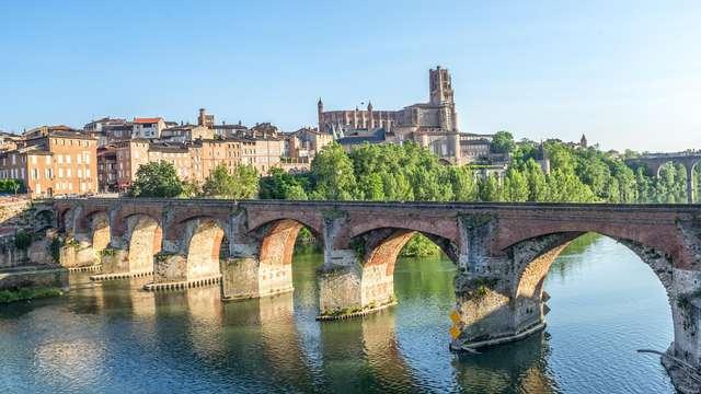 Venez prendre l'air en Aveyron et plongez dans la piscine!