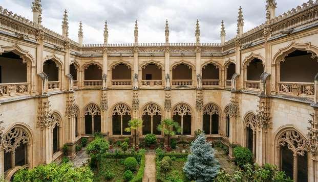 Escapada Romántica con cava y bombones a un paso de la Catedral de Toledo
