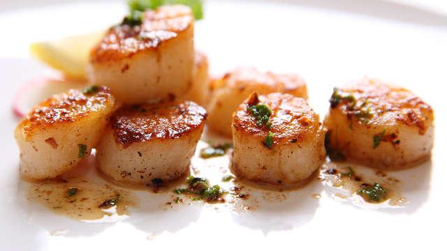 Escapada romántica: Con cena degustación y bombones en la habitación ¡Sorprende a tu pareja!