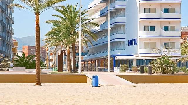 RH Riviera-Only Adults Solo Adultos