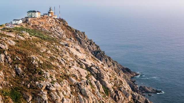 Alójate a orillas del mar en Finisterre