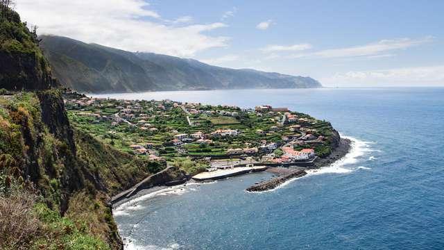 Escapada en la costa de la isla de São Miguel, en Azores