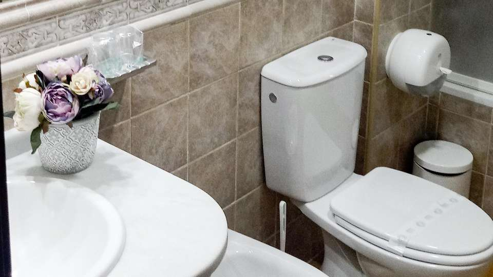 Hotel El Guerra - EDIT_BATHROOM_01.jpg