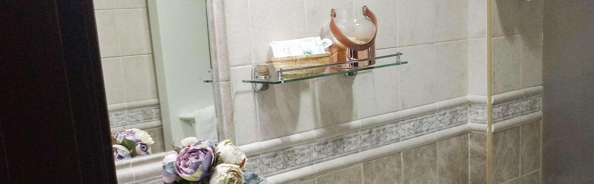Hotel El Guerra - EDIT_BATHROOM_02.jpg