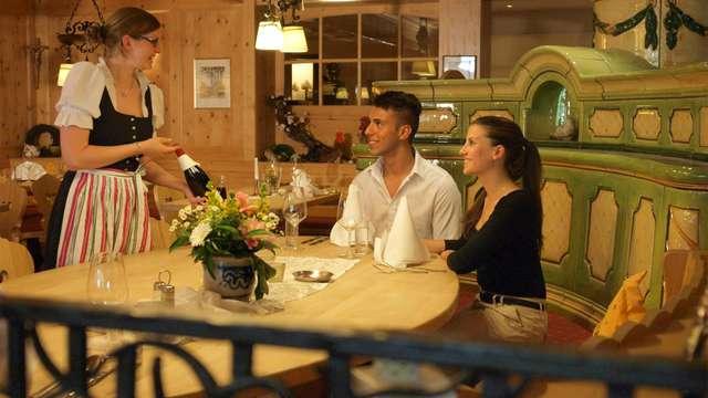 Geniet van ontspanning en lekker dineren tijdens een minivakantie in het Zwarte Woud