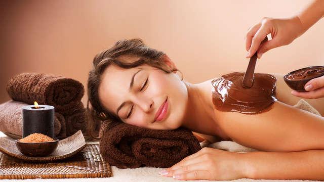 """Chocoloterapia: acceso al spa, envoltura de chocolate y """"masaje ducha jet"""""""