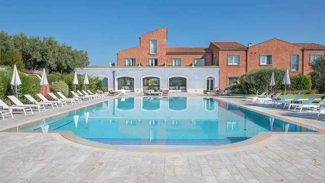 Lusso ai piedi dell'Etna: soggiorno in elegante 5* con spa inclusa