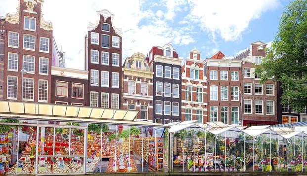 Met je vrienden of het hele gezin Amsterdam ontdekken bij Corendon met spa!