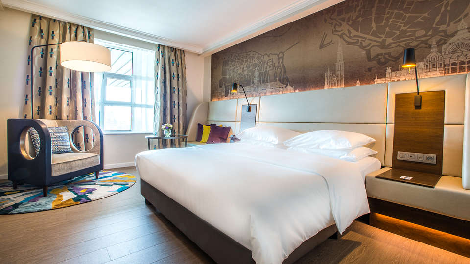 Radisson Blu Astrid Hotel - EDIT_Radisson_Blu_Astrid_Antwerp-_Standard_room_01.jpg