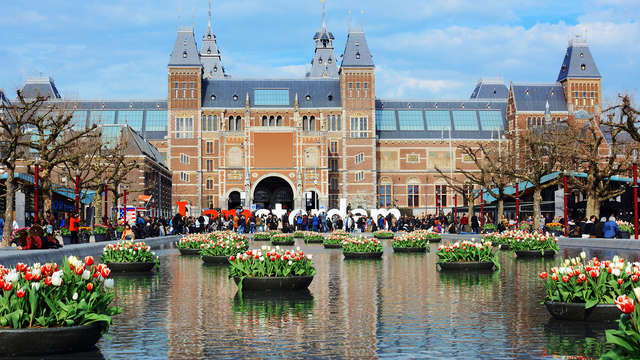Kom de architectuur van Amsterdam bewonderen met 4* luxe