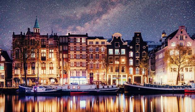 Ontdek de pracht van Amsterdam en geniet van comfort en moderniteit