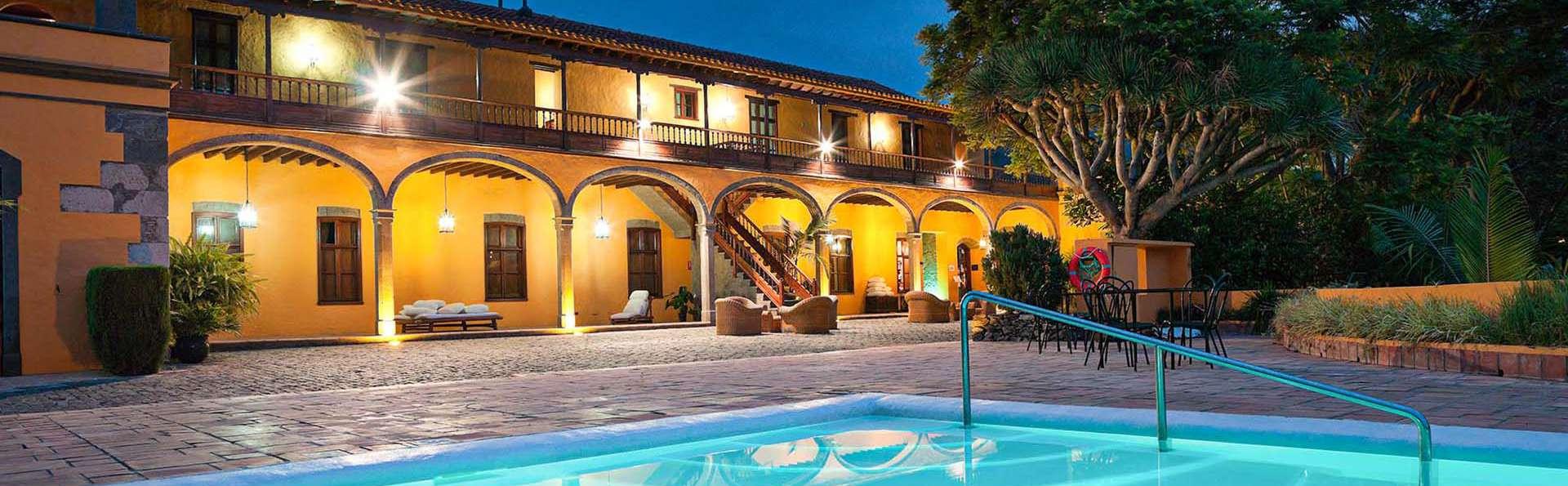 Escápate en un hotel de estilo colonial en Arucas, Gran Canaria