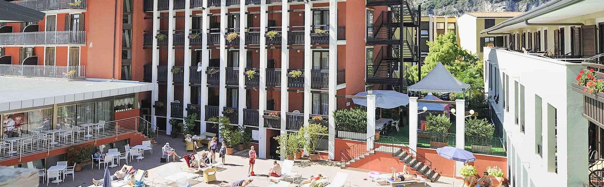 Club Hotel La Vela - EDIT_FRONT_1.jpg
