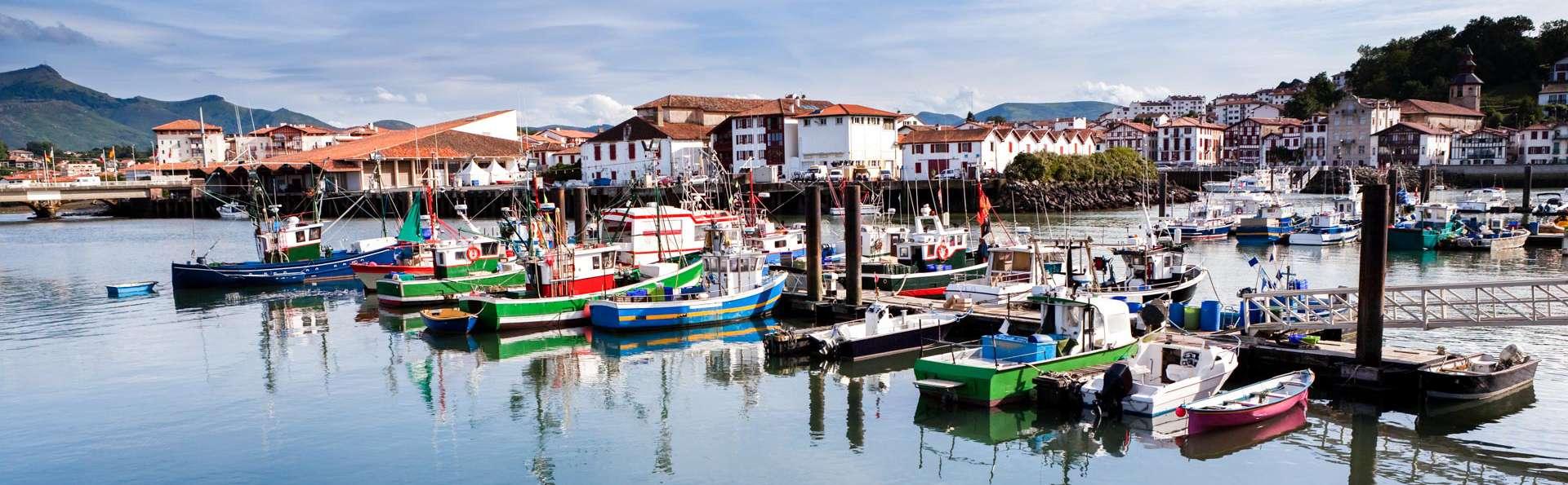 Respirez l'air iodé sur votre balcon avec vue sur la baie de St Jean-de-Luz