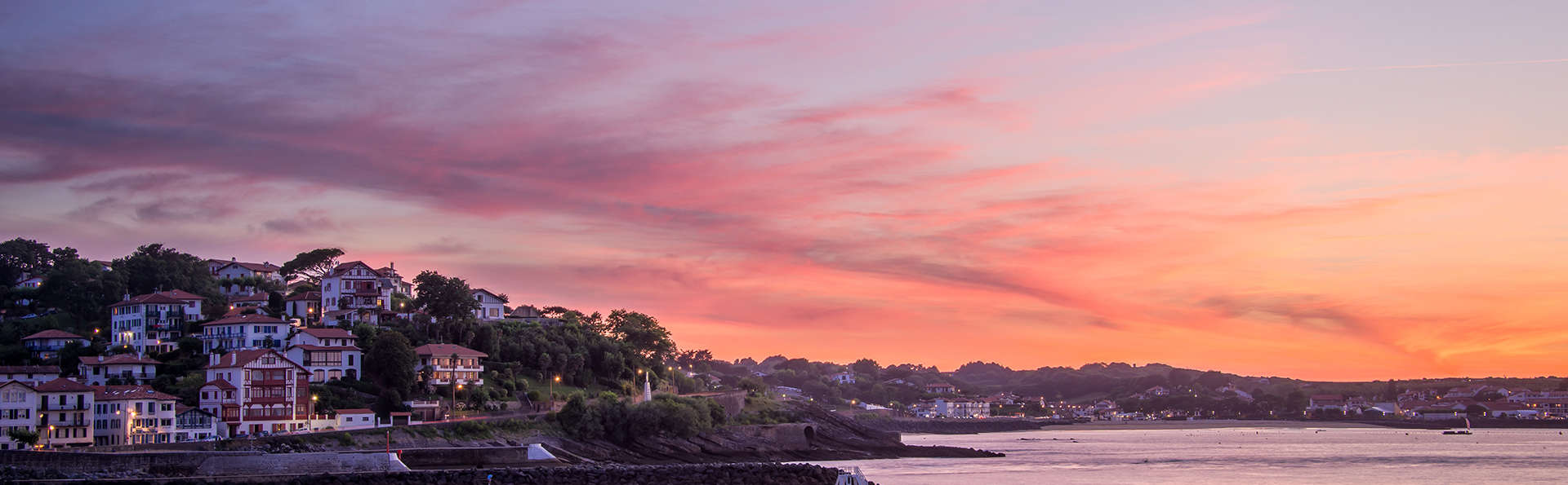 Rêvez à la vue des vagues de la baie de St Jean-de-Luz depuis votre balcon