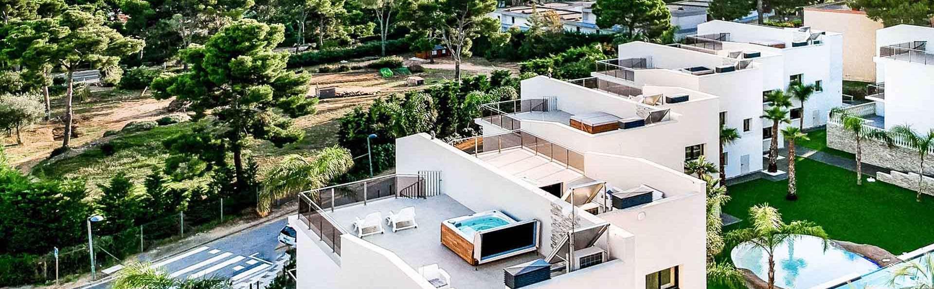 Escapada romántica en villa de lujo con detalles VIP y jacuzzi privado en Platja d'Aro