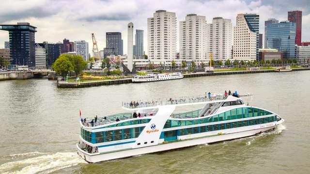 Overnachten met ontbijt en een mooie rondvaart bij Rotterdam