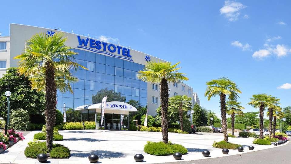 Westotel Nantes Atlantique - EDIT_Facade.jpg