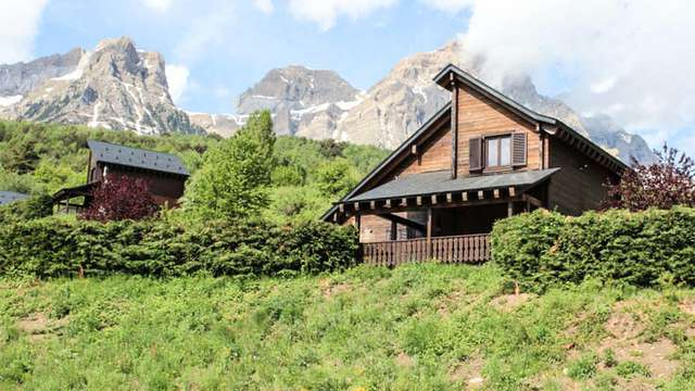 Romanticismo en medio de la montaña con cena típica de la zona incluida