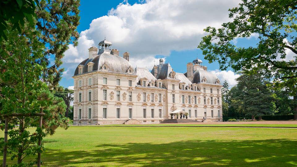 Relais des Trois Châteaux - EDIT_Chateau-de-Cheverny_.jpg