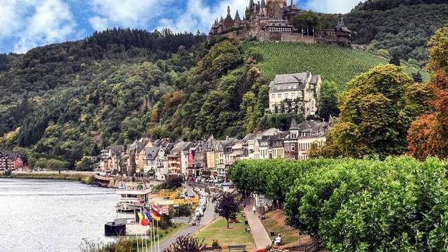 Profitez de la vie sur les rives de la Moselle dans une authentique vinothèque