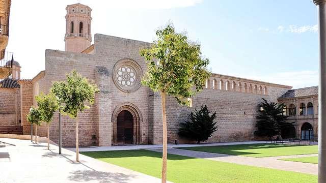 """Escapada """"evasión"""" en base alojamiento y desayuno a un monasterio cerca de Sástago"""