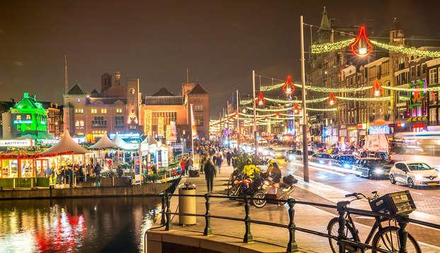 Kerst in Amsterdam: bezoek de Kerstmarkt en geniet van een heerlijk diner en ontbijt!