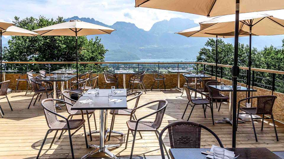 Village Club - NEACLUB Les Balcons du Lac d'Annecy - EDIT_terrasse-restauration-balcons-du-lac-annecy_01.jpg