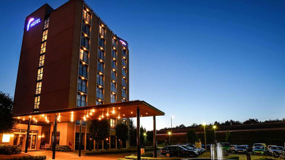 Van der Valk Hotel Venlo - EDIT_Van_der_Valk_Hotel_Venlo_-_nacht_01.jpg
