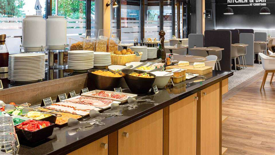 Hotel Courtyard By Marriott Toulouse Airport - EDIT_Buffet_01.jpg