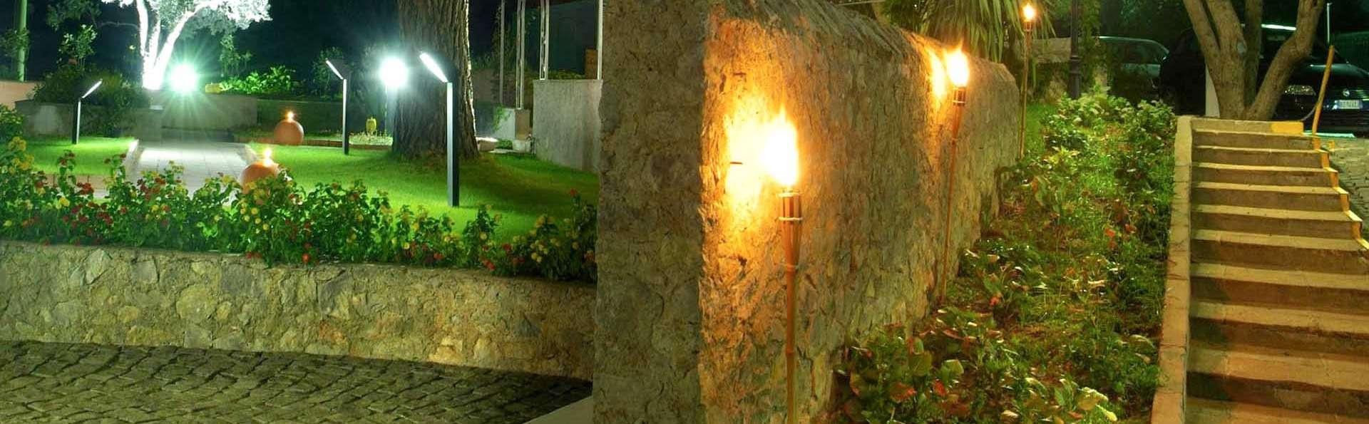 Hotel Baia - EDIT_HM-gardennight_01.jpg