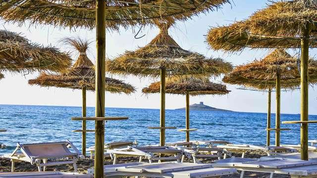 Soggiorno Isola delle Femmine: relax in camera quadrupla in hotel 4* sul mare
