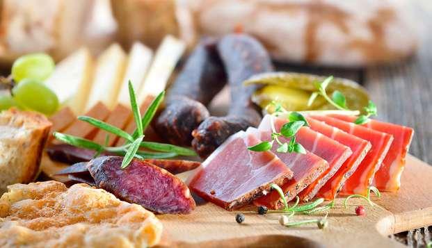Asturische gastronomie en relax: Uitje met 90 min spa met je partner en een typisch regionaal diner