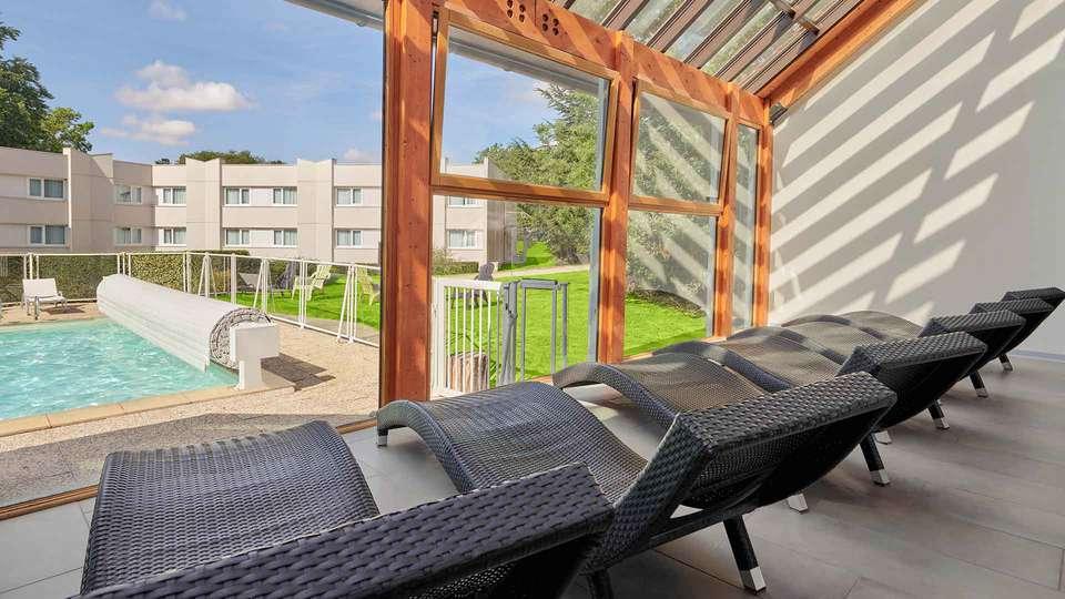 Novotel Fontainebleau Ury - EDIT_SOLARIUM_01.jpg