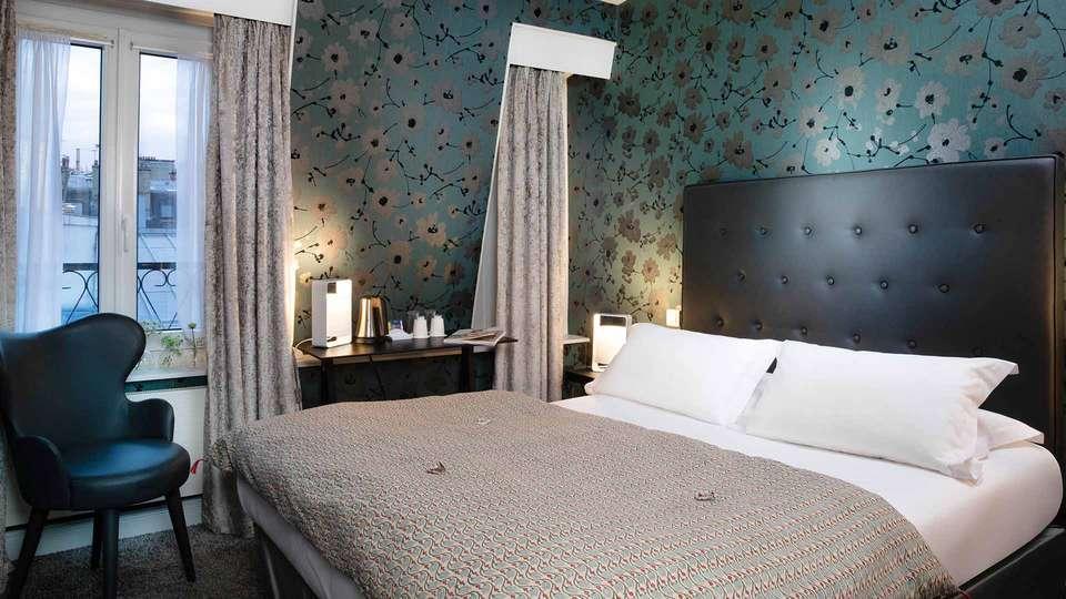 Hôtel Plaza Etoile - EDIT_Classic_Room_01.jpg