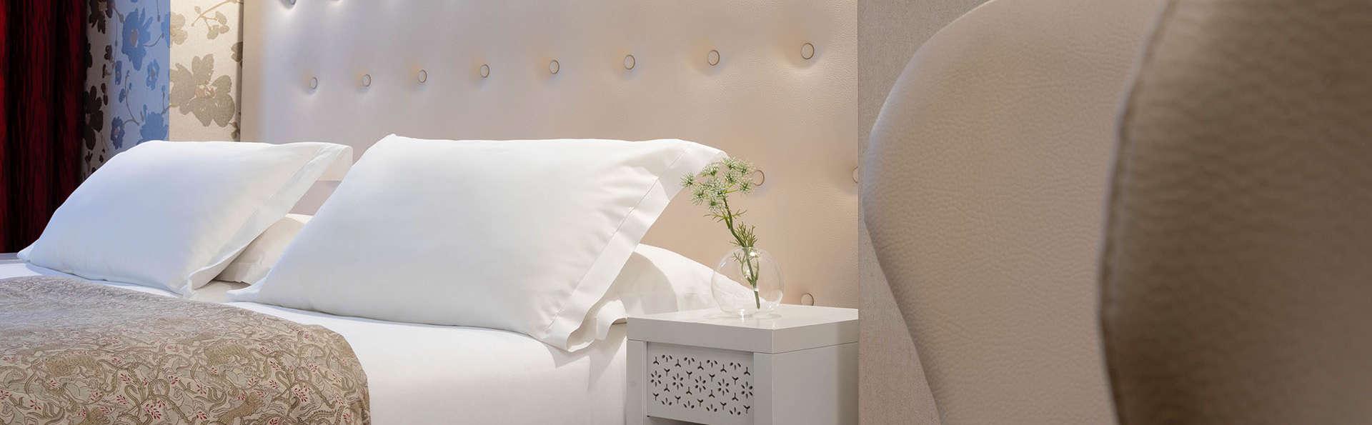 Hôtel Plaza Etoile - EDIT_Superior_Room_06.jpg