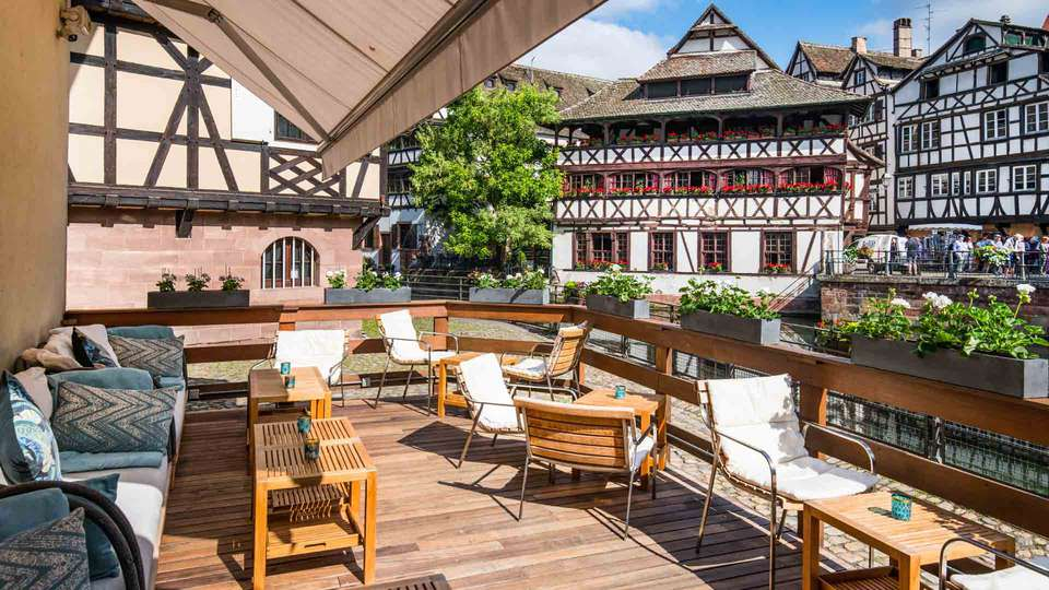 Hôtel & Spa RÉGENT PETITE FRANCE - EDIT_Bar_Champagne_terrasse__ZVARDON_HD.jpg