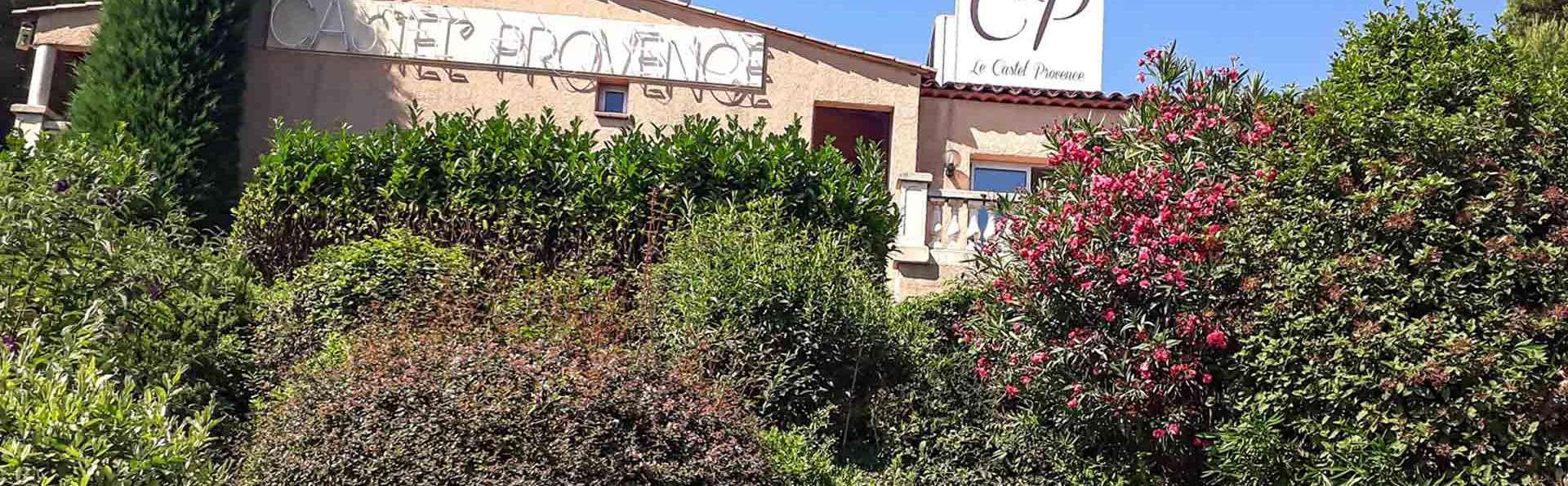 Castel Provence - EDIT_Entree.jpg