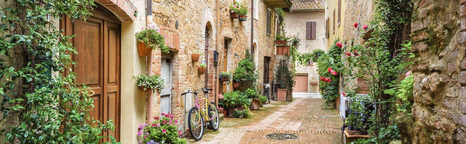 Week-end détente en Toscane, dans le village médiéval de Val d'Orcia